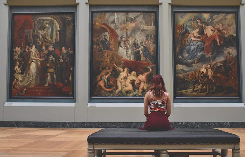 Sicherheit für Museen und Galerien mit speziellem Sicherheitsglas und Sensoren